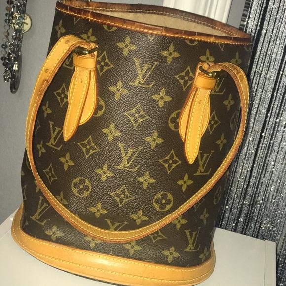 639ad5ac0cdc Louis Vuitton Handbags - Monogram Bucket PM